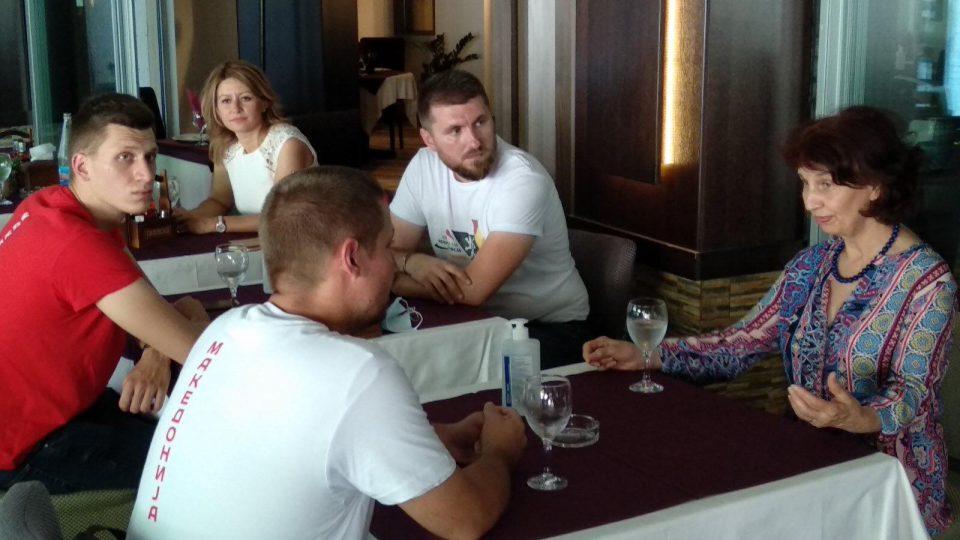 ФОТО: Силјановска Давкова на средба со кандидатите за пратеници од Аеродром