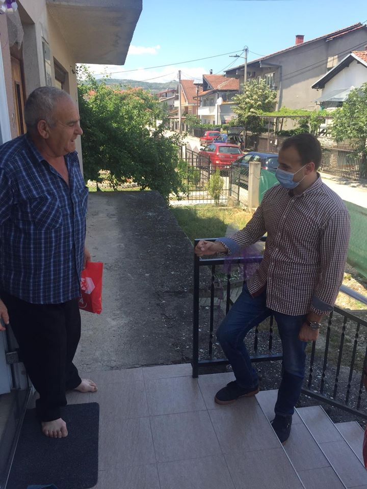"""Стојаноски на средба со граѓани од """"Даме Груев"""""""