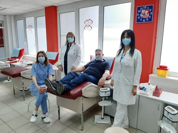 Братучедот на Драган Вучиќ кој се излекува од Ковид 19 даруваше крвна плазма