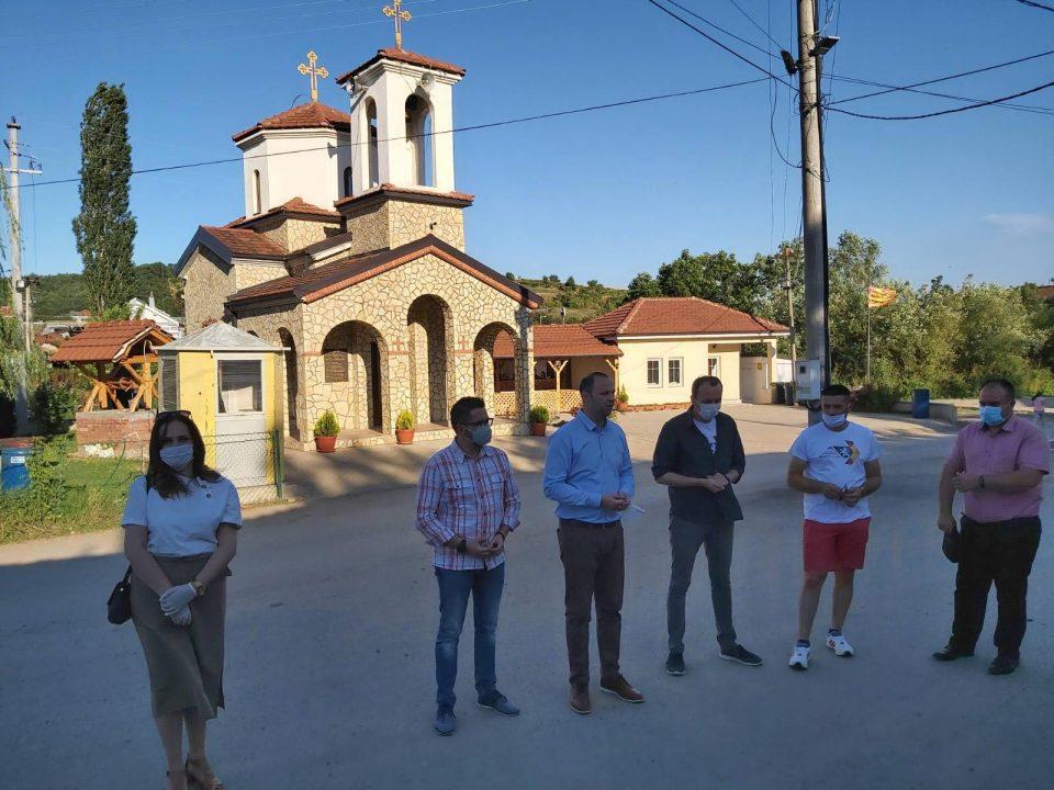 Мисајловски во посета на Агино село- пред жителите ја претстави програмата со од над 1.000 проекти (ФОТО)