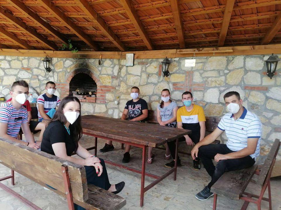 Мизрахи на средба со младите од Чучер Сандево