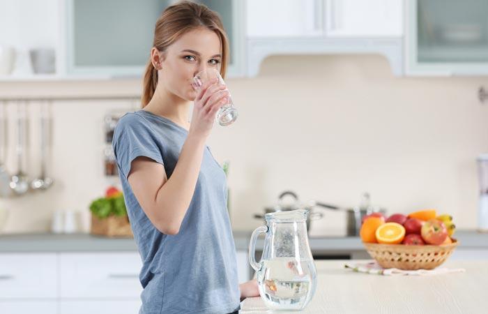 Знаци кои покажуваат дека не пиете доволно вода
