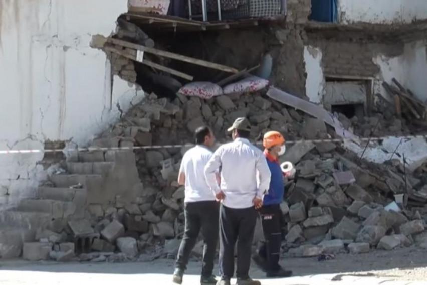 Куќите се срамнети со земја, луѓето панично бегаат: Силен земјотрес ја погоди Турција (ВИДЕО)