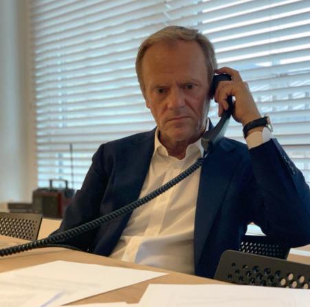 Претседателот на Европската народна партија по телефонскиот разговор со Мицкоски: Сите треба да им служат на интересите на граѓаните