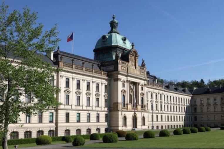 Чешкиот Парламент го одобри порастот на буџетскиот дефицит на девет отсто од БДП