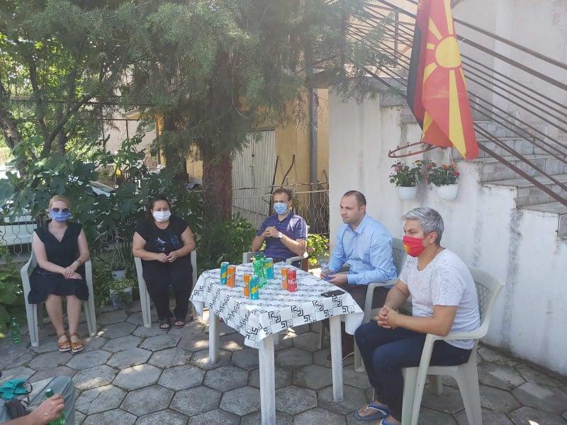 Мисајловски на средба со граѓаните од населбата Дексион во Ѓорче Петров (ФОТО)