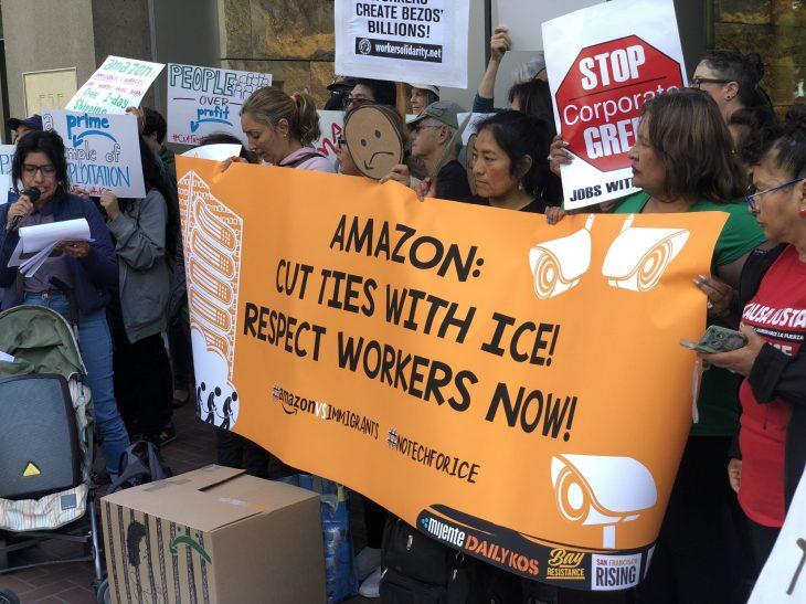 """Вработените во """"Амазон"""" штрајкуваат за безбедност и заштита на здравјето на работното место во Германија"""