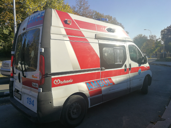 Малолетник изгубил контрола над мотоциклот и паднал – итно однесен во болница во Струмица