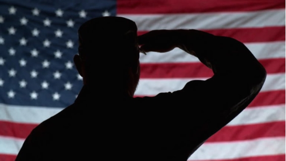 Американски војник обвинет за планирање терористички напад против својата единица