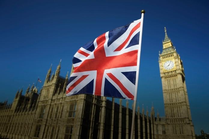 Еустик: Британската Влада не сака да ги затвори плажите