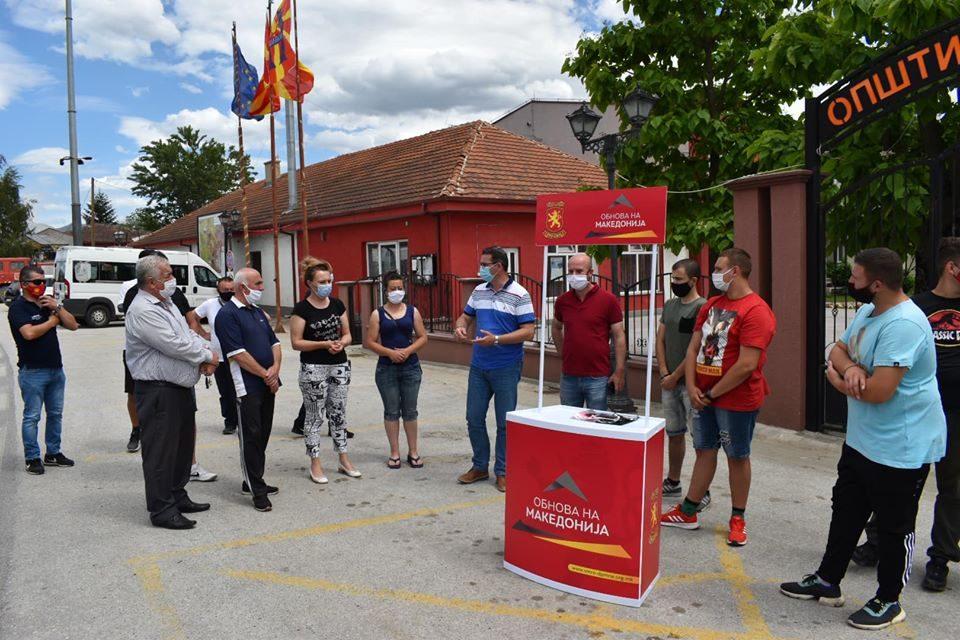 Трипуновски: Македонскиот земјоделец е доведен до питачки стап