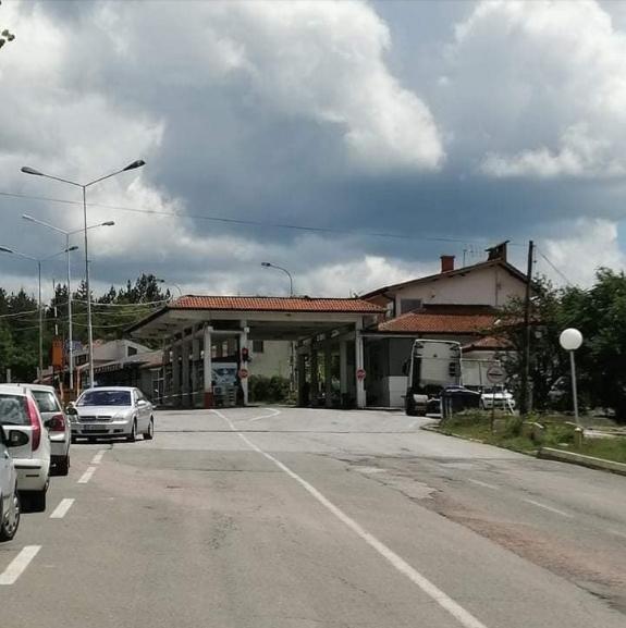 На граничниот премин Делчево мирно на првиот ден од отворањето на границите