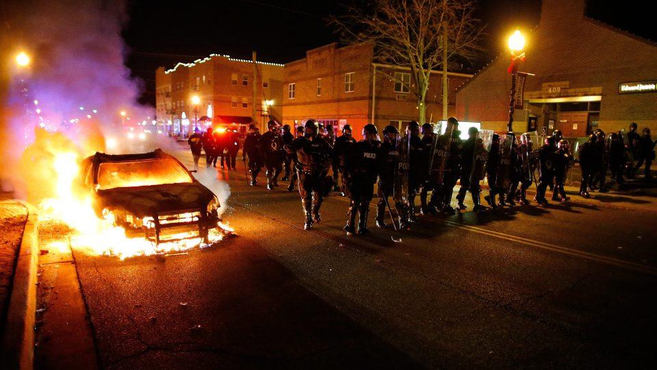 Четворица полицајци повредени при пукање во Сент Луис