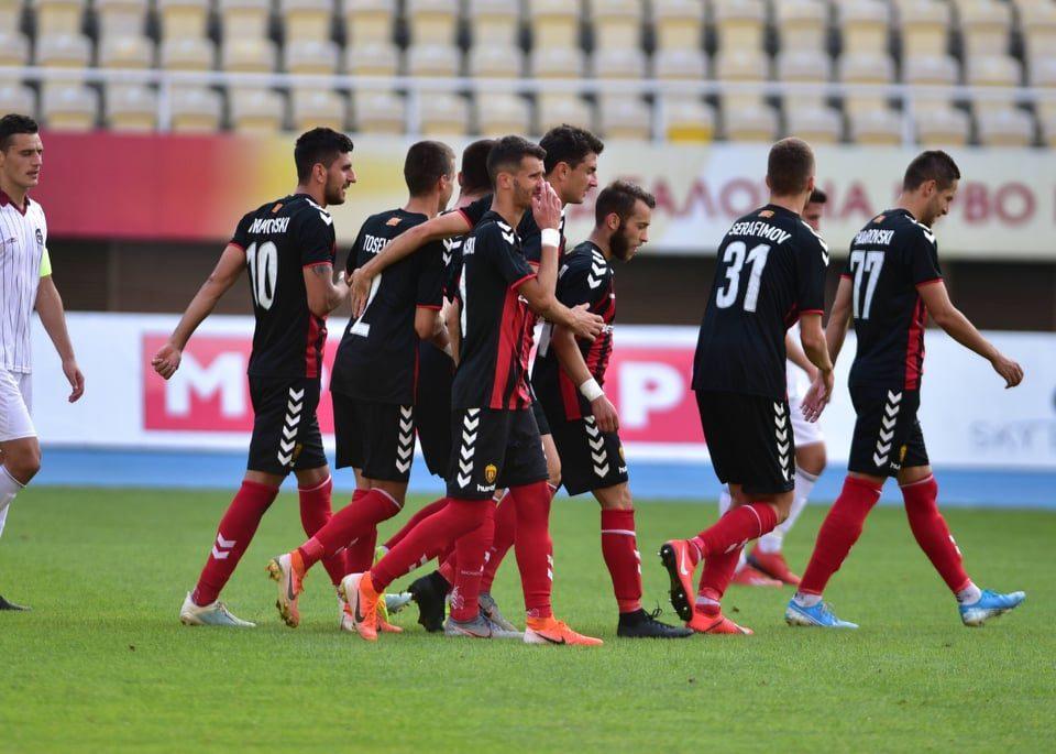 ФОТО: ФК Вардар со уникатна фотографија си ја честита титулата првак на Македонија