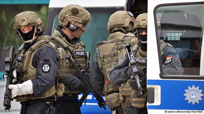 Германски безбедносни служби предупредуваат на закана од десничарски екстремизам