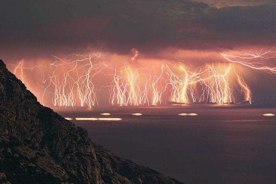 Невреме во северна Грција, регистрирани 1.500 молњи