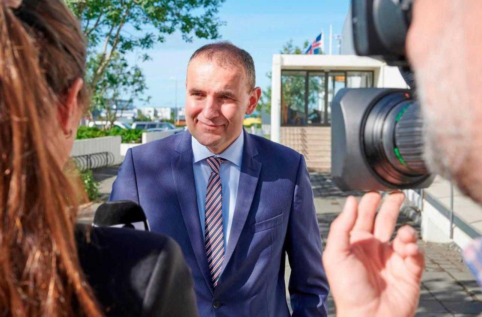 Јоханесон повторно избран за претседател на Исланд
