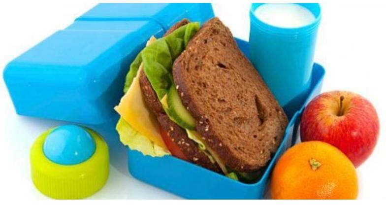 Родители, правите голема грешка ако ја пакувате храната на вашето дете, дознајте зошто мора да престанете со тоа
