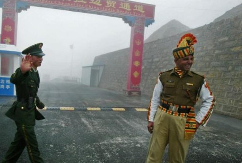 Кина и Индија се согласија да ги повлечат своите сили од Хималаите