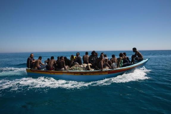 ИОМ: Шест мигранти ги загубија животите во близина на брегот на Либија, 93 спасени