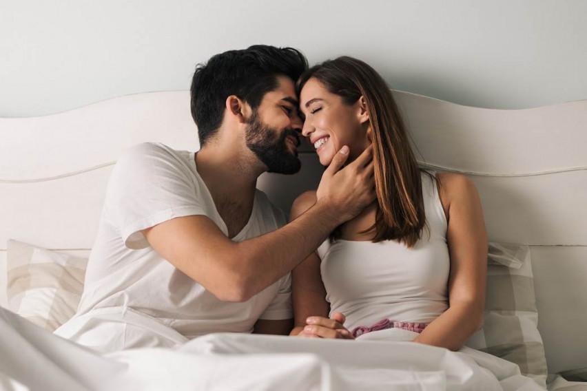 """Неочекувано: Зошто на жените им е потребно двојно повеќе """"акција"""" во креветот отколку на мажите?"""