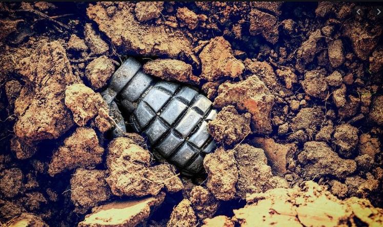 Бомба кашикара пронајдена во двор во Хиподром