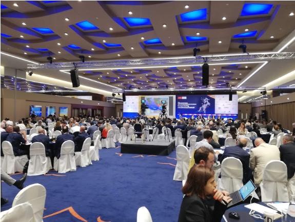 Дополнително олабавување на мерките во Грција – дозволено организирање концерти и конференции