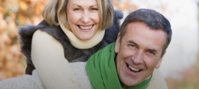 Ако сте во потрага по партнер по четириесеттите, еве на што треба да внимавате