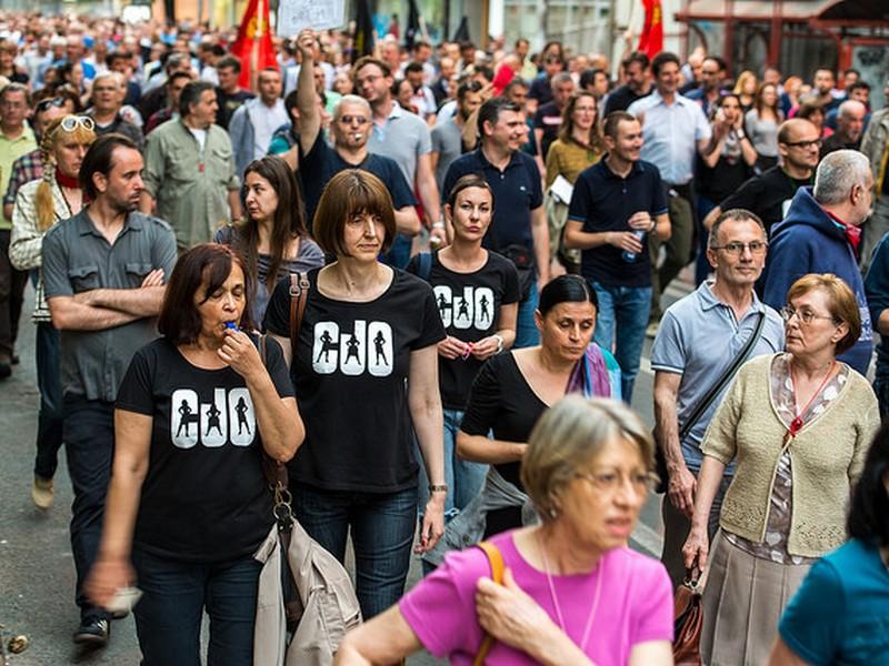 Мајтап: Црн ден за шарените револуционери! (ВИДЕО)