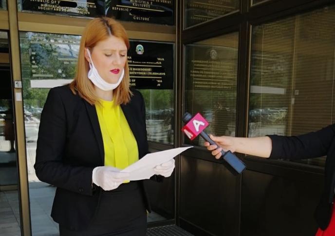 Стаменковска Стојковски: Владата веднаш да преземе мерки за заштита на вработените во јавниот сектор