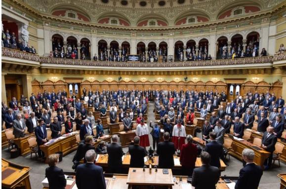 Поставени рекордни 807 пратенички прашања до швајцарскиот Парламент