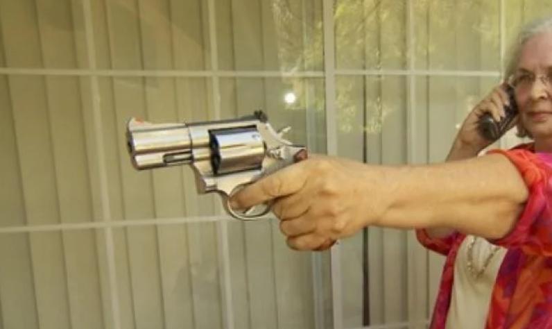 Бабичка застрела крадец на својот имот, сакал да го украде нејзиниот алкохол