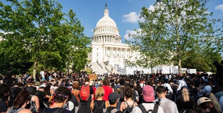 ВИДЕО: Голем протест во Вашингтон
