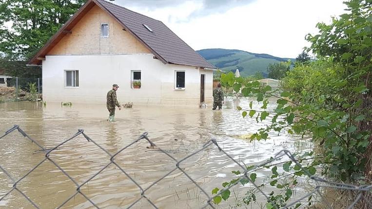 Во седум области во Романија издаден црвен аларм за поплави