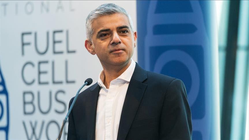 Поради пандемијата градоначалникот на Лондон си ја намали платата