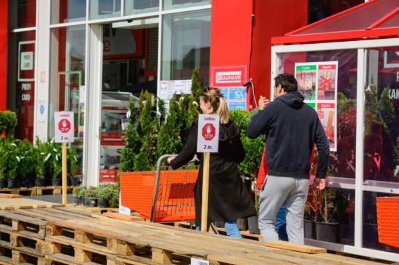 Словенечките трговци се против закон со кој во недела продавниците нема да работат