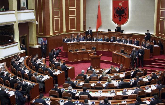 Албанија: Парламентарната опозиција на средба со спикерот Ручи за изборната реформа