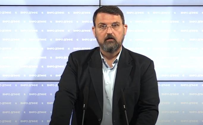 Стоилковски со сатира за казната на Заев