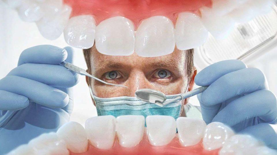 """""""Корона-такса"""" за стоматолозите во Швајцарија"""
