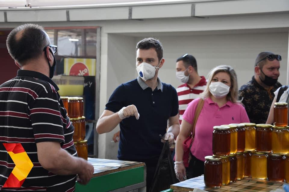 Муцунски во Скопската Чаршија: Со обновата предвидуваме голема поддршка за развој на традиционалните занаети