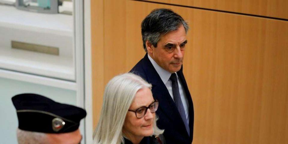 ВИДЕО: Франсоа Фијон осуден на пет години затвор а неговата сопруга доби тригодишна условна казна