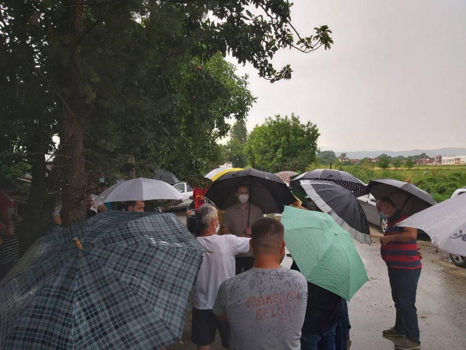 """Мисајловски во посета на скопско Трубарево: На граѓаните им ја вети """"Обновата на Македонија"""" која доаѓа по 15 јули"""