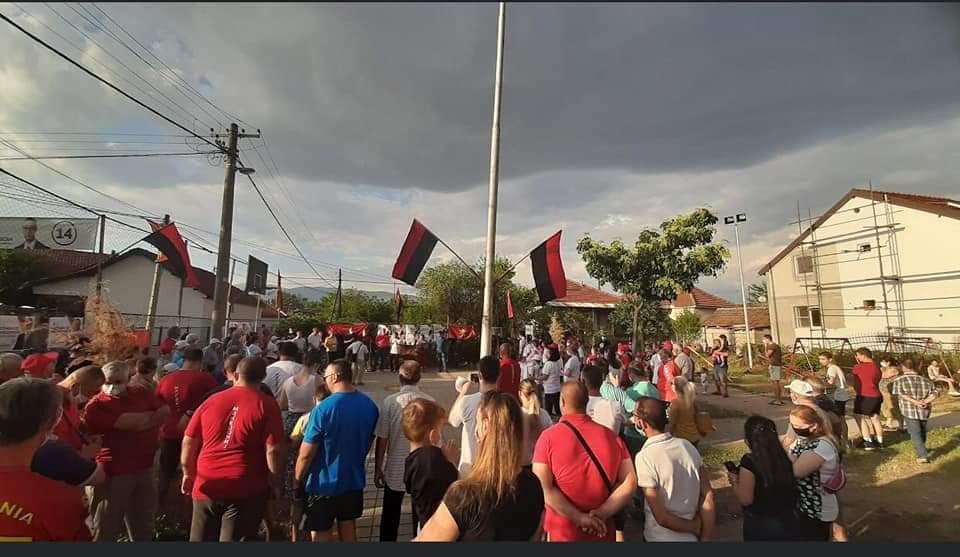 Еуфоричен пречек за Мисајловски- победничка атмосфера во Гази Баба (ФОТО)