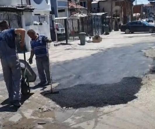 Нема крај на лудилото на СДСМ во Шутка: Заев со неколку колички асфалт сака да ги придобие гласовите на ромите!(ФОТО)