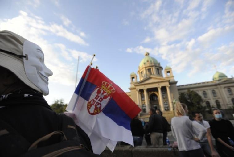 Продолжуваат протестите во Србија