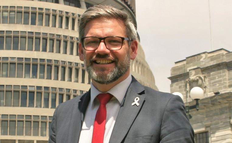 Разрешен новозеландскиот министер Лијс-Галовеј поради врска со вработена во неговиот кабинет