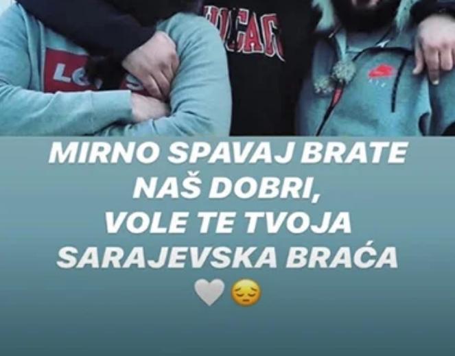 ЈА ЗАГУБИ БИТКАТА СО КОРОНАТА: Српската естрада во солзи, беше неразделив со познатите пејачи, а замина на небото толку млад… (ФОТО)