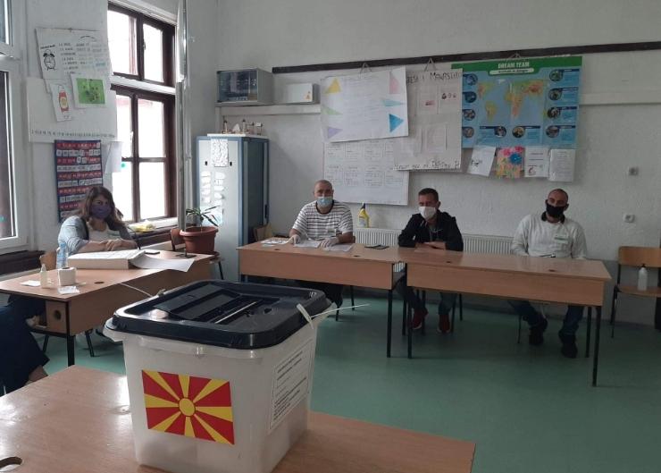 Без проблеми почна гласањето во Кичево, Македонски Брод и Пласница