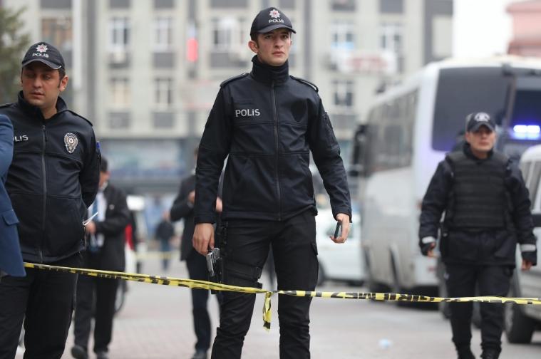 Апсења во Турција поради поврзаност со ИД