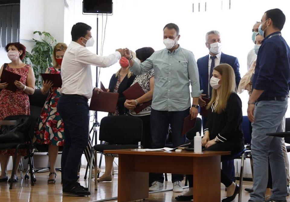 ДИК ги објави конечните резултати, новите пратеници ги добија уверенијата